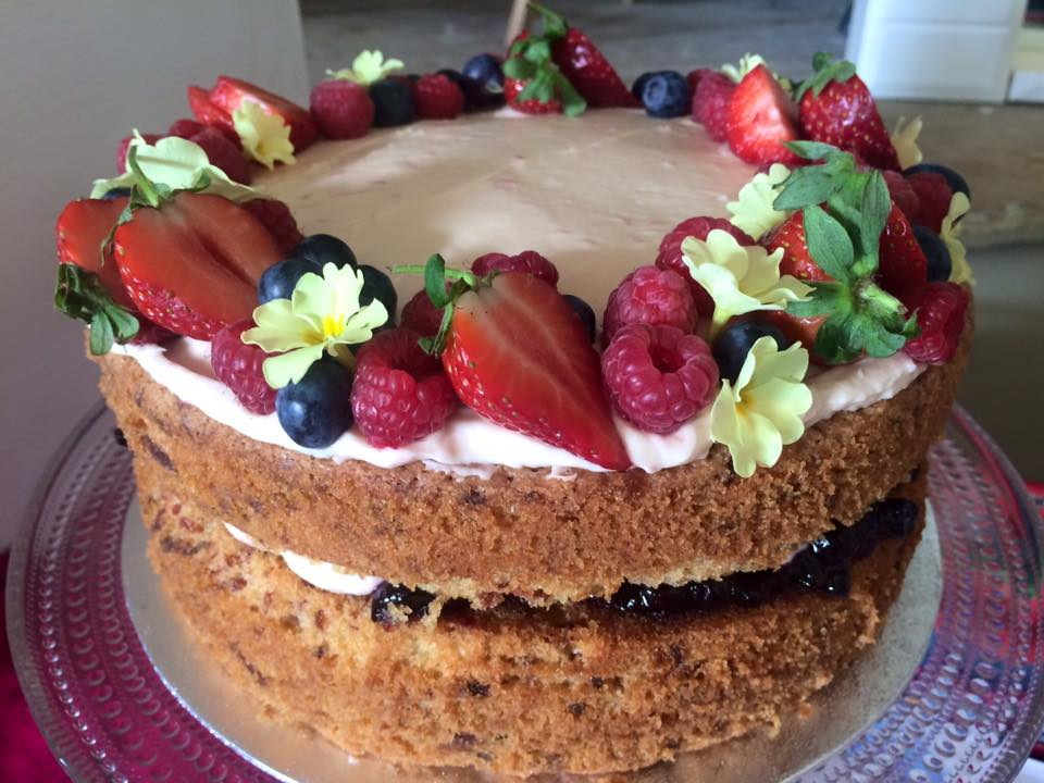 Beetroot & Berry Cake
